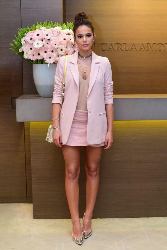 bruna-marquezine-look-rosa-moda