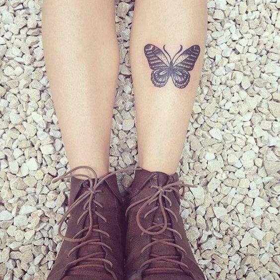 tatuagem pequena feminina perna
