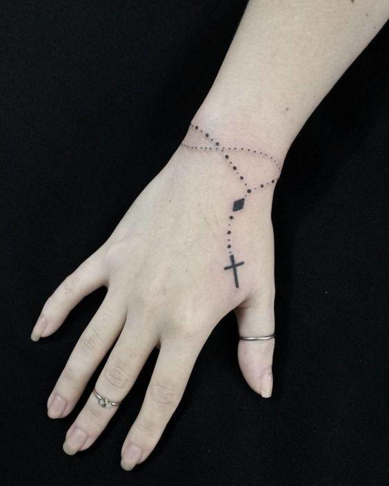 tatuagem feminina na mão #tattoo