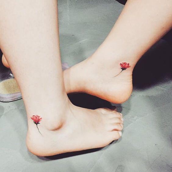 tatuagem no pé #flor #tattoo