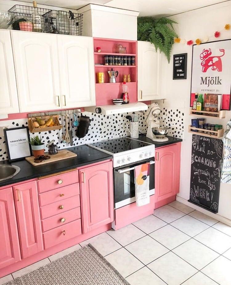 rosa na cozinha
