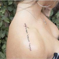 10 ideias de tatuagens femininas escritas