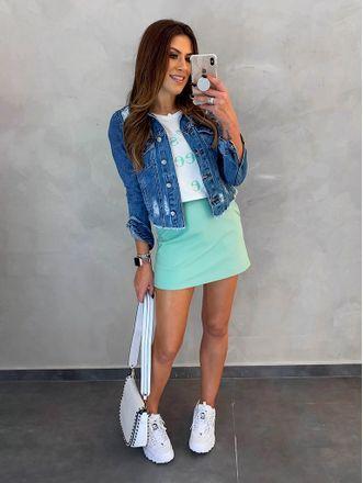 jaqueta-jeans-com-tenis