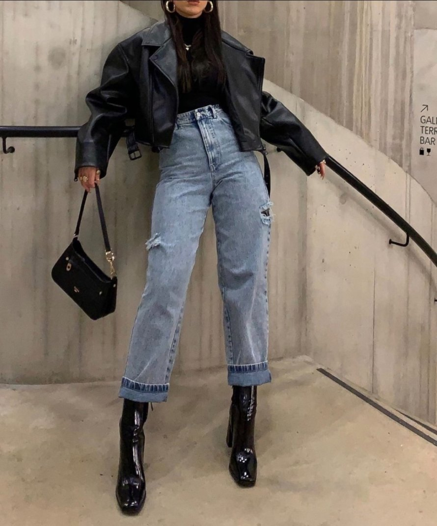 look com jaqueta de couro feminina e calma mom jeans